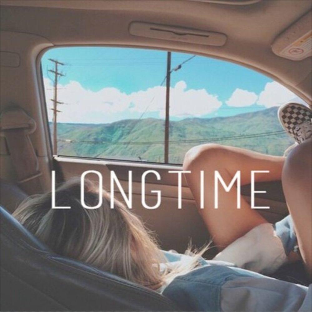 Фото девушек блондинок с машиной со спины