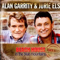 Beach House in the Blue Mountains — Alan Garrity & Jurie Els
