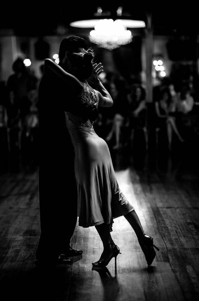 пара в танце картинки черно белые